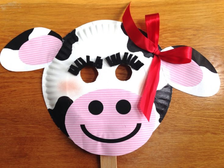 Chick-fil-A Cow Day { Paper Plate Cow Masks With Free Printables }