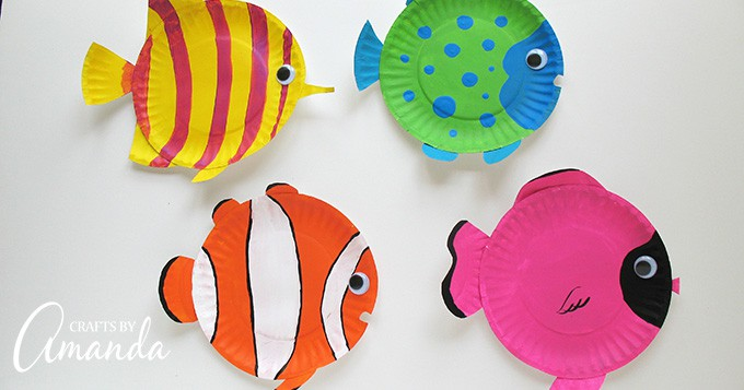 Paper Plate Tropical Fish: a vibrant and fun paper plate kid's craft!