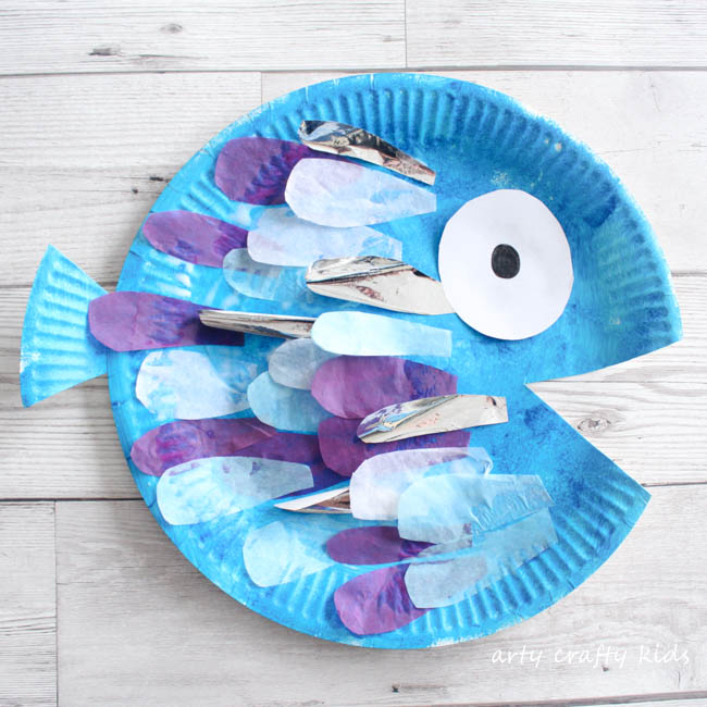 Paper Plate Rainbow Fish Craft | Arty Crafty Kids