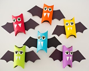 RAINBOW PAPER TUBE BATS: HALLOWEEN CRAFT FOR KIDS