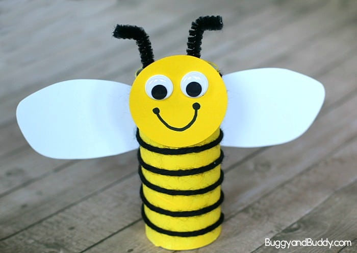 Cardboard Tube Bee Craft for Kids Using Yarn