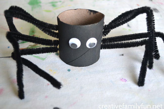 Cardboard Tube Spider Craft for Halloween