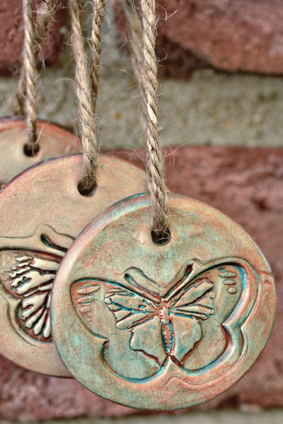 DIY Favor Tags: Antiqued Clay Tags